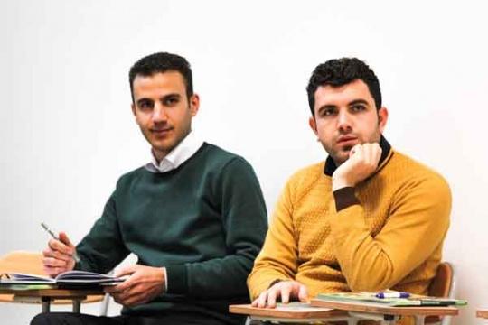 [عکس: PDI-class-students-men-540x360.jpg]