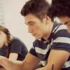 دانشجویان در حال مطالعه برای آزمون آیلتس